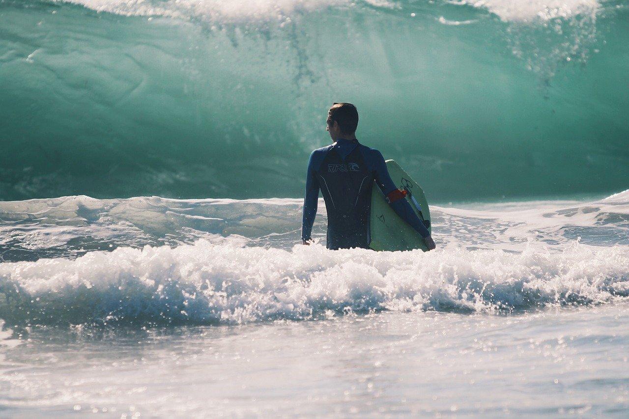Oroscopo Luglio 2019: cavalcate l'onda più alta senza paura